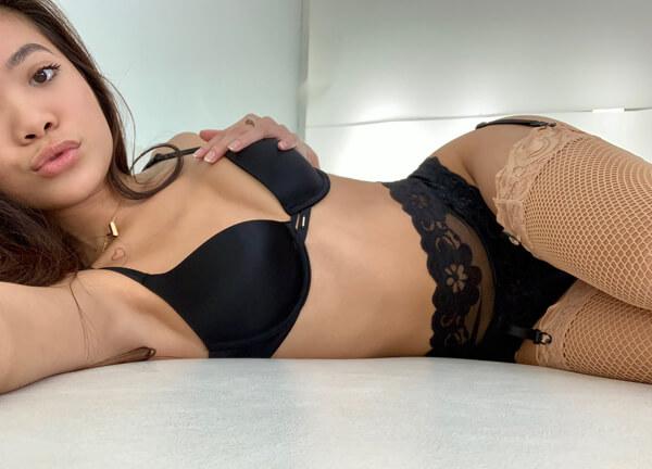 Vietnamese pornstar Vina Sky